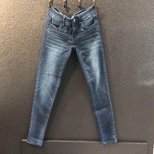 NWOT Super stretch American Eagle skinny jeans!